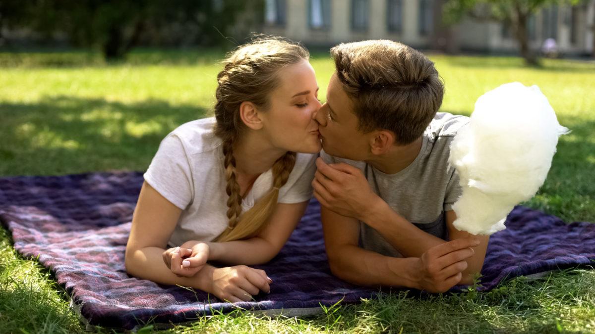 Jongeren hebben liever seks met niet-rokers